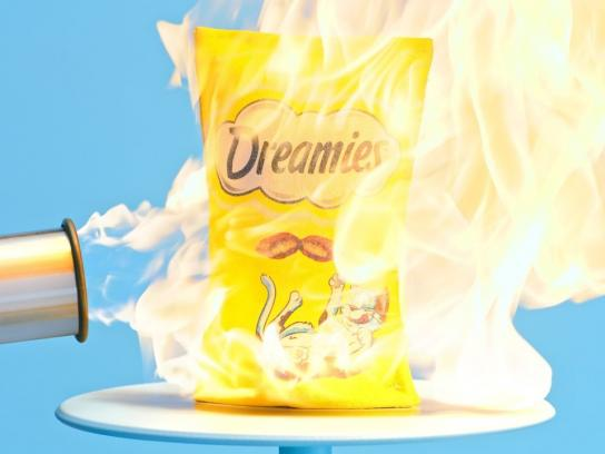 Dreamies Film Ad - The World's First Impenetrable Pack of Cat Treats