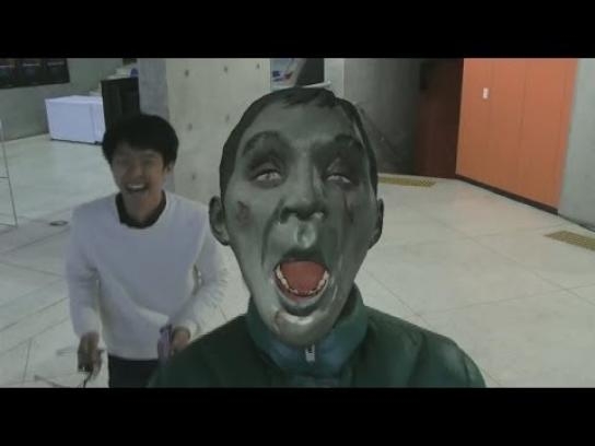 Snickers Ambient Ad -  Hungry face morph