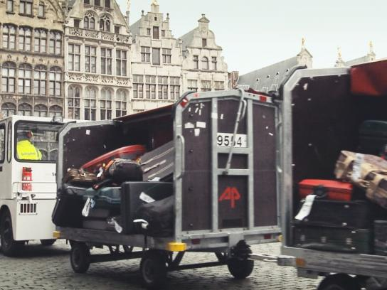 Schiphol Ambient Ad -  Baggage