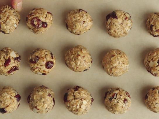 Lorissa's Kitchen Film Ad - Energy Balls