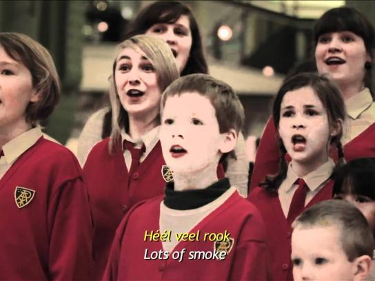 Opvoedingslijn.be Ambient Ad -  Children's choir starts bullying in a shopping mall