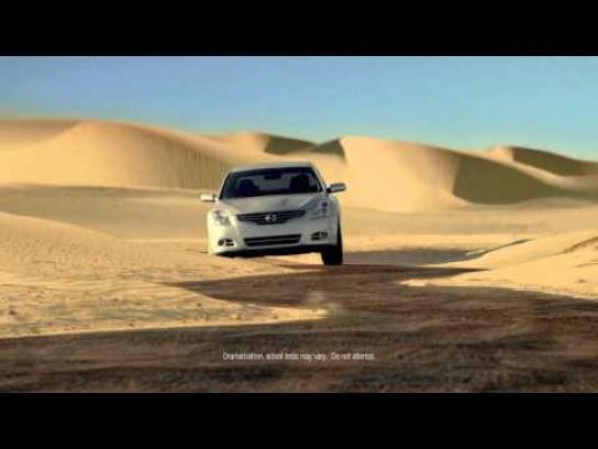 Nissan Film Ad -  Around the World in 8 Miles