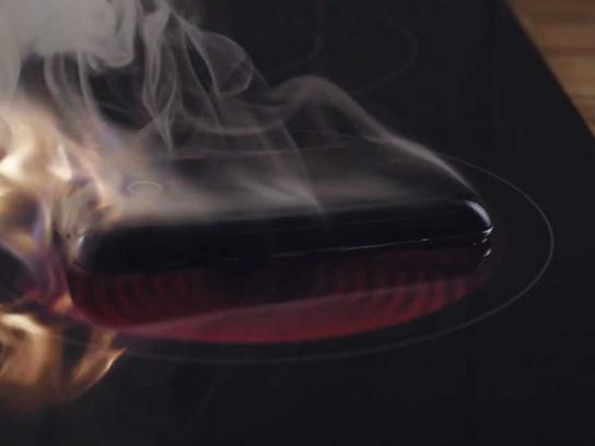 LG Film Ad -  Hard Times for old Smartphones, Stove