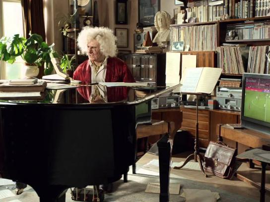 Paddy Power Film Ad -  Pianist