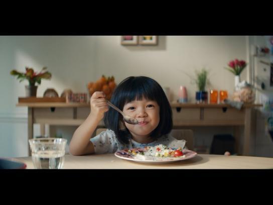 Auchan Film Ad - Auchan Agit / Manifesto