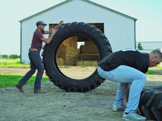 Land O'Lakes Film Ad - Land O'Lakes Farm Bowl: Kyle Rudolph vs. A Tire