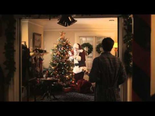 Foot Locker Film Ad -  Merry Kicksmas, Charlie