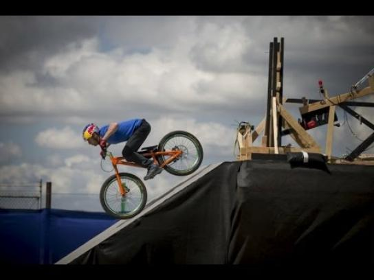 Red Bull Film Ad -  Kluge, The Athlete Machine
