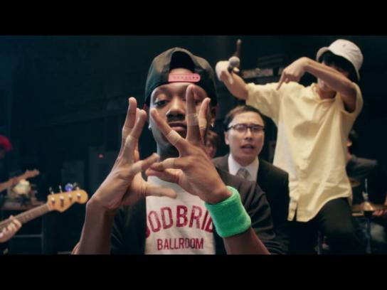 Band Aid Digital Ad - Finger dance