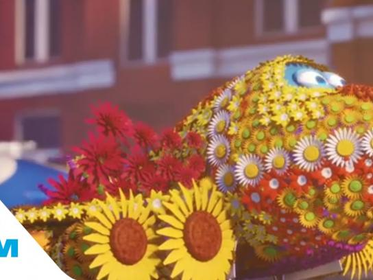KLM Film Ad -  Bluey and the flower parade