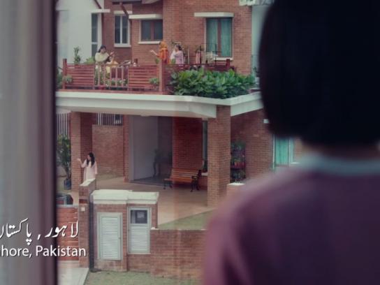 Shan Foods Film Ad - #KhaanaWithParosi