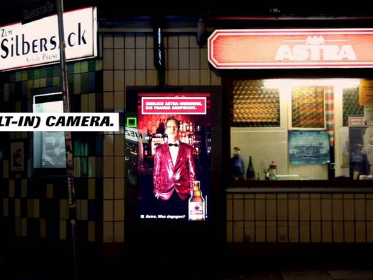 Astra Ambient Ad -  The girl detection billboard