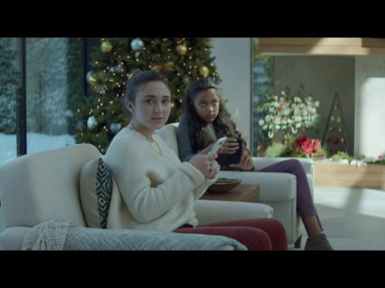 Infiniti Film Ad - Holiday Shopping