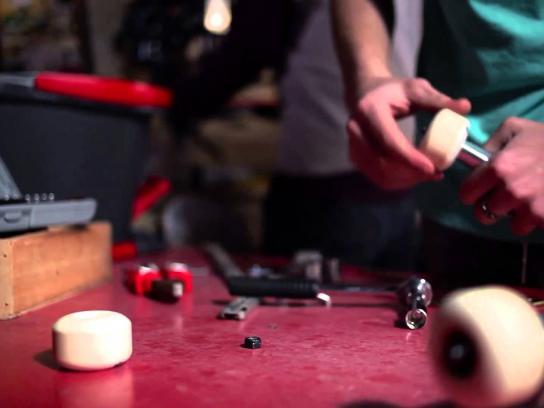 Vileda Film Ad -  Wring, Skate & Clean