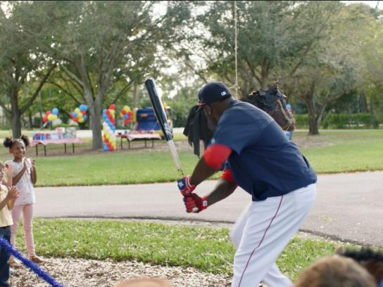 JetBlue Film Ad - David Ortiz vs. Pinatas