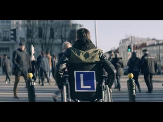 Akademia Auto Świat Experiential Ad - The wheelchair hour