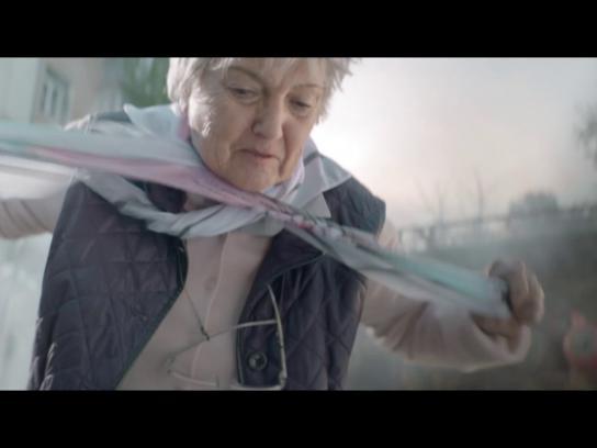 French Red Cross Film Ad - Super Granny