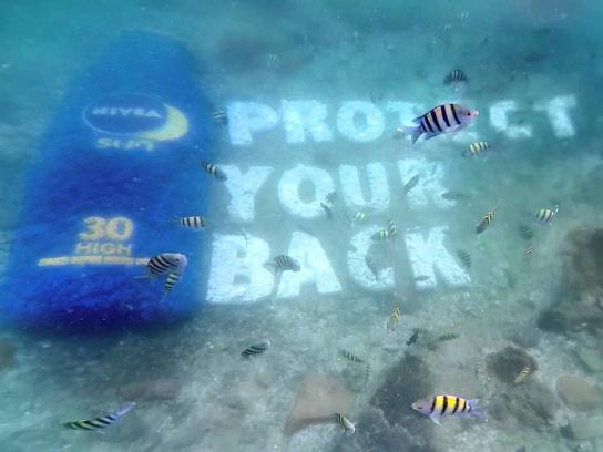 Nivea Outdoor Ad -  The undersea billboard