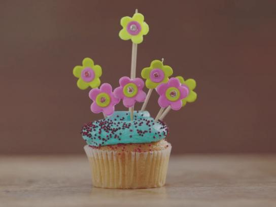 Bostik Content Ad - Mother's Day Cupcake Project