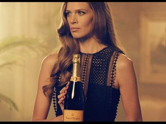 Veuve Clicquot Digital Ad -  On making an impression