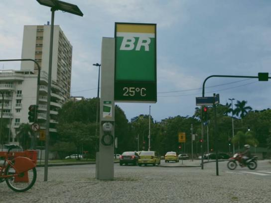 Petrobras Outdoor Ad - Street clock bike pumps