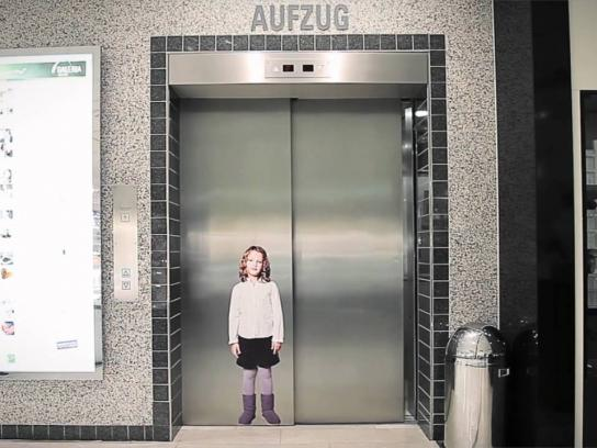 Initiative Vermisste Kinder Ambient Ad -  Germany will find you