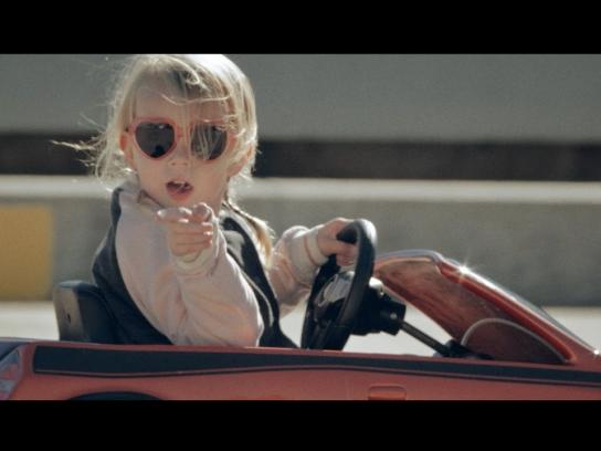 Renault Film Ad - Playful Chassis