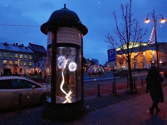 Freixenet Outdoor Ad - Freixenet brings Christmas magic to the streets of Vilnius