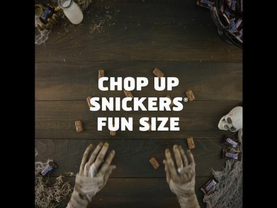Snickers Film Ad - Halloween Mummmmy Cake