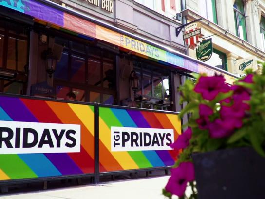 TGI Fridays Experiential Ad - TGI Pridays
