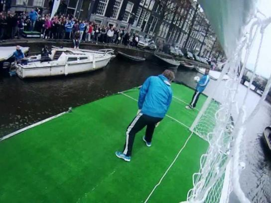 Adidas Ambient Ad -  Van der Sar is back