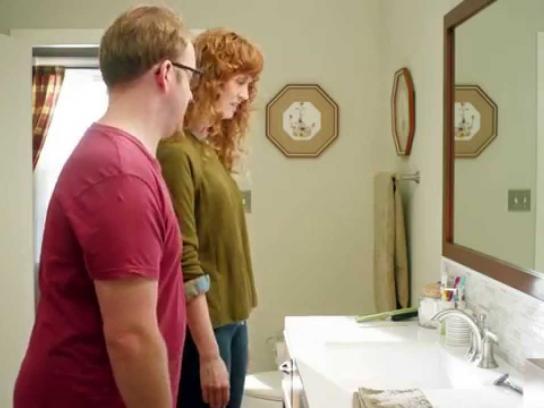 Dollar Shave Club Film Ad -  Razor escapes