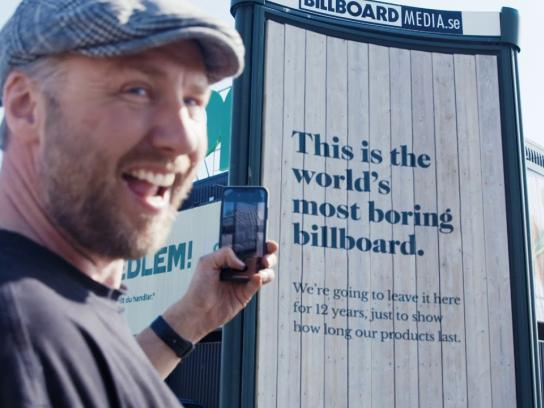 Sioo:x Wood Outdoor Ad - The World's Most Boring Billboard