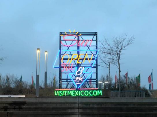 Mexico Tourism Board Outdoor Ad -  Iced neon