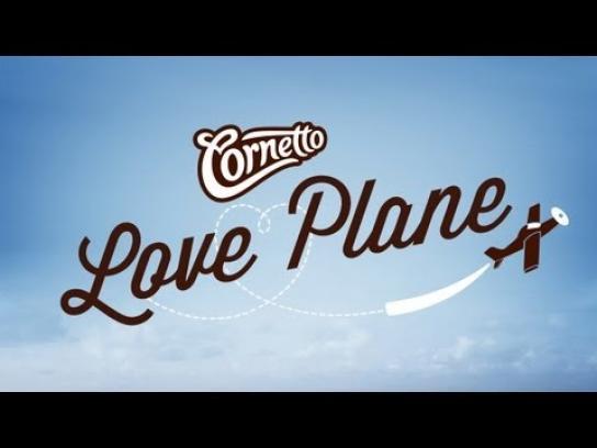 Cornetto Ambient Ad -  Love Plane