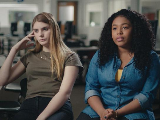 Girls Who Code Digital Ad - Why can't girls code?