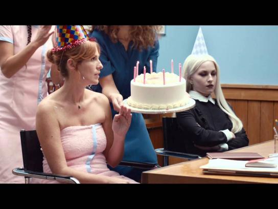Société Générale Film Ad -  The principal