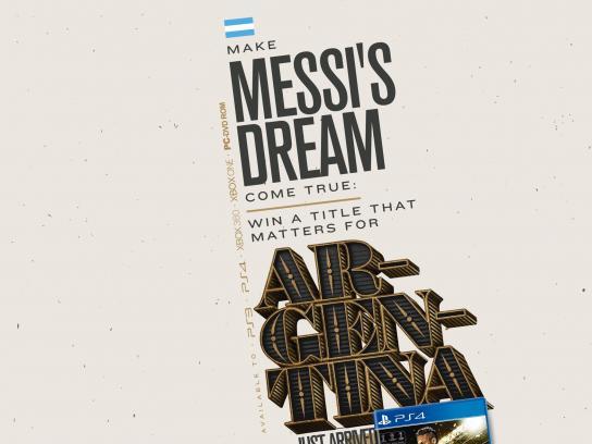 Livrarias Curitiba Print Ad -  Messi