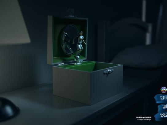TV Globo Print Ad -  Sleep with soccer, 1