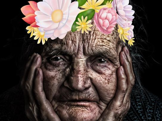Moviliza Print Ad - Old Woman