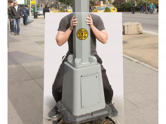 Gold's Gym Outdoor Ad - A stronger you, 1