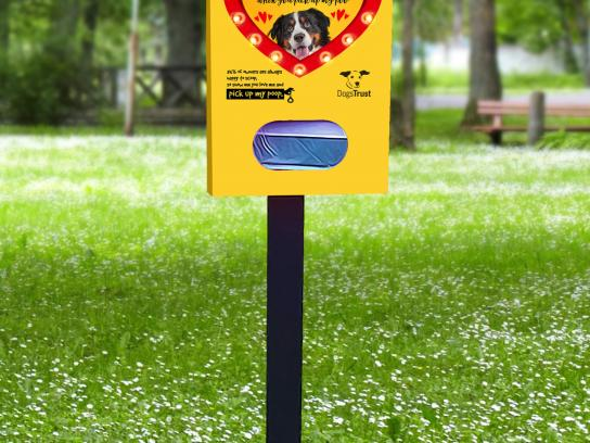 Dogs Trust Outdoor Ad - The big scoop, 3