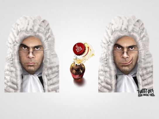 Pata Roja Print Ad - Judge