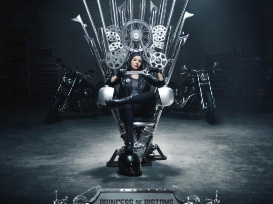 Progressive Insurance Print Ad - Throne, 2