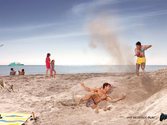 PlayStation Print Ad -  Beach grenade
