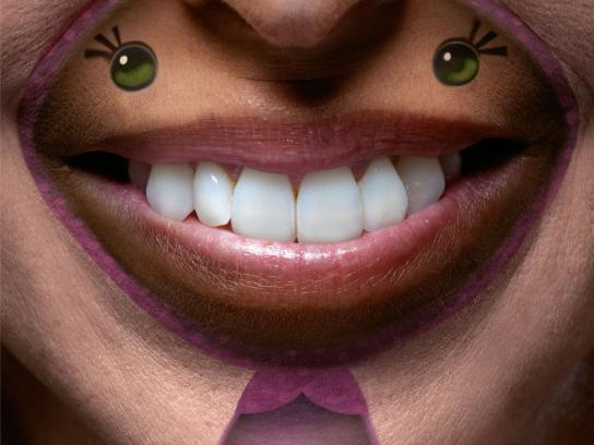 Clowns Without Borders Print Ad -  Donate smiles, 3