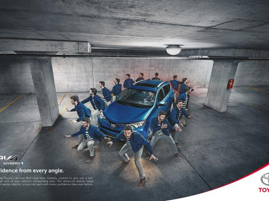Toyota Outdoor Ad - RAV4 Bird's-Eye-View Monitor