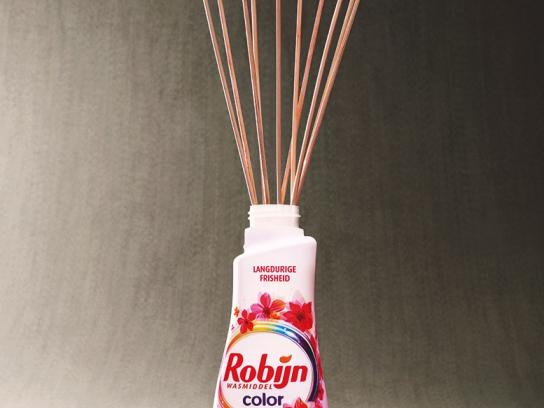 Robijn Outdoor Ad - Fragrance Sticks