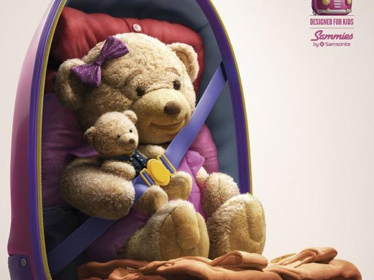 Samsonite Print Ad -  Bear