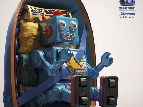 Samsonite Print Ad -  Robot